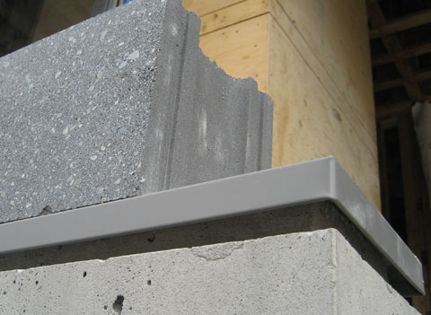 detail-flashing-over-concrete-wall-01