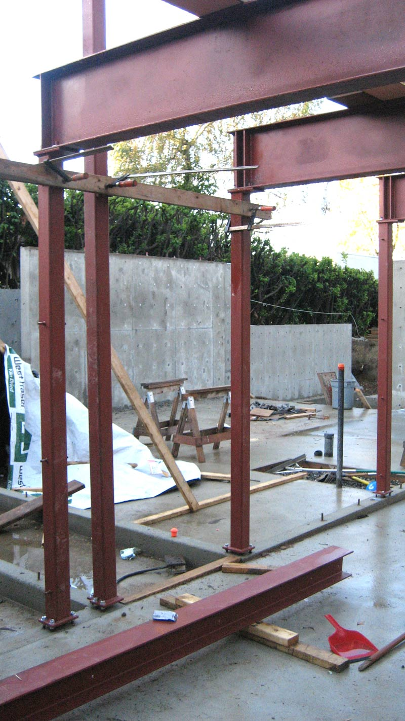 steel-beam-and-column-frame-connected-to-concrete-slab