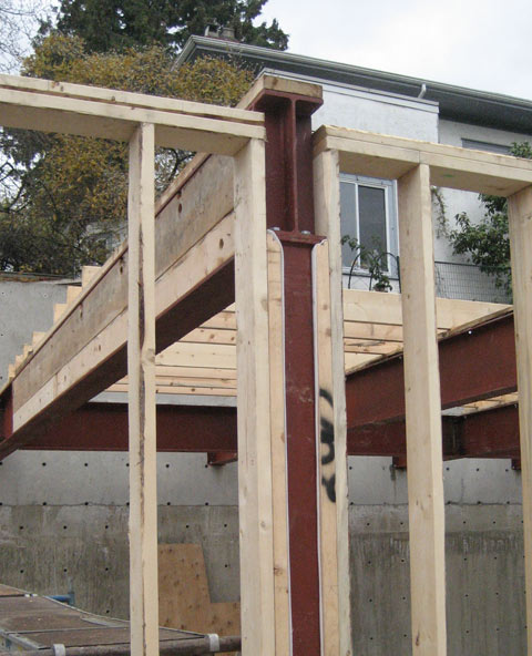 stud+wall+framing-aroundHSS-steel+column-and-steel+beam