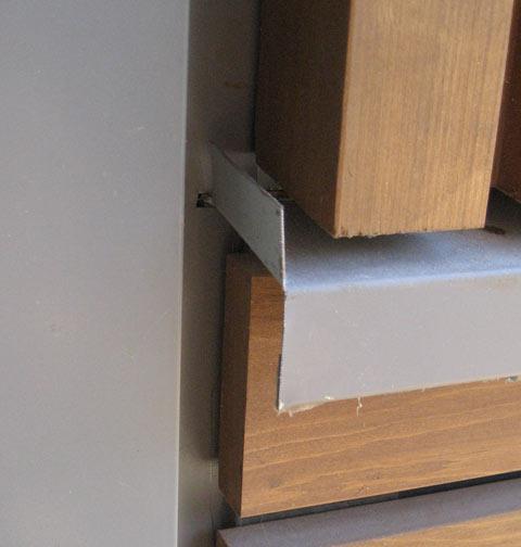 detail-flashing-at-wood-transition
