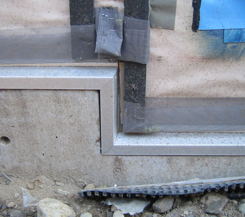 detail-flashing-over-concrete-step
