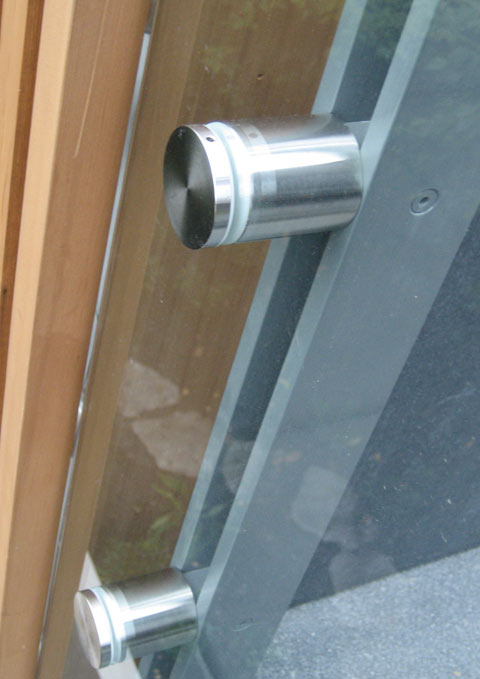 detail-guard-glass-attachment