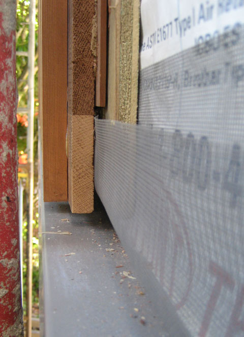 detail-wood-siding-insect-screen