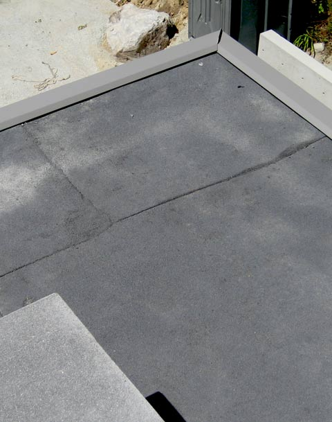 lower-roof-edge-flashing-and-sbs-membrane