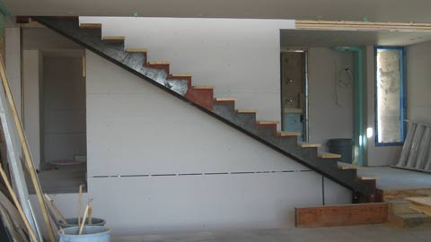 metal-stringer-stair