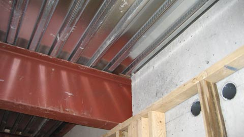 qdeck-on-steel-beam-from-underside