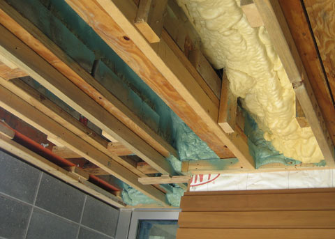spray-foam-insulation-01