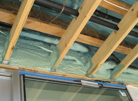 spray-foam-insulation-02