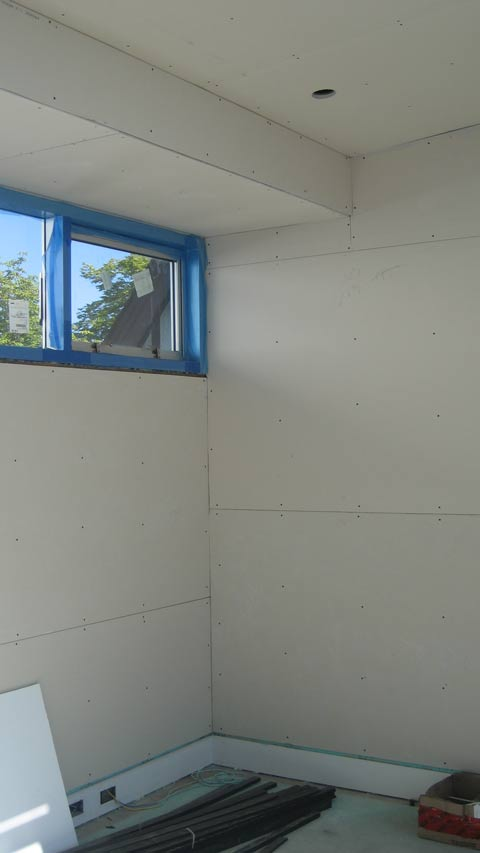 bulkhead-covered-withj-drywall