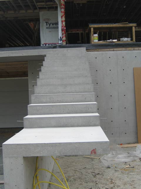 cantilevered-concrete-stair-architectural-concrete-close-up