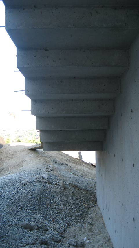 cantilevered-concrete-stair-architectural-concrete-underside