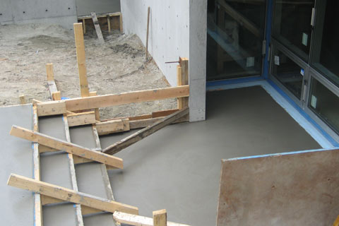 concret-patio-and-steps-fresh-pour-trench-drain-block-out