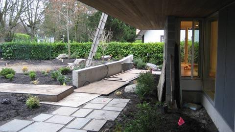 frontyard-garden-concrete-wall