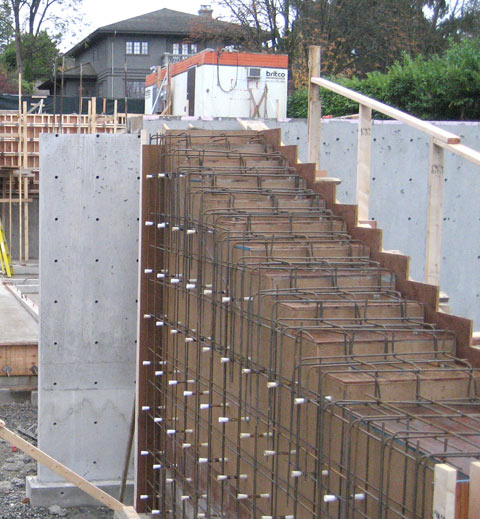 cantilevered-concrete-stair-suspended+slab+reinforcement-bars