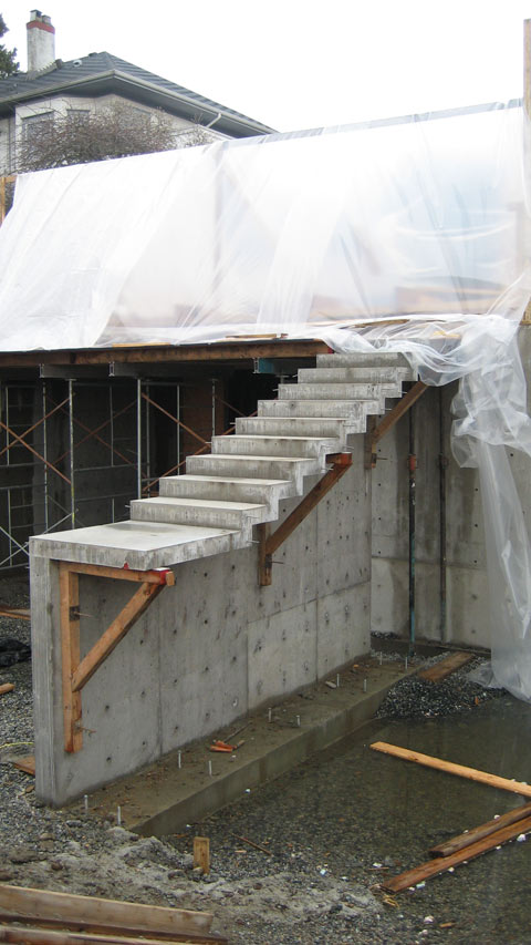 cantilevered-concrete-stair