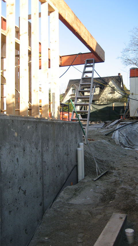 cantilevered-floor-supported-by-a-steel+beam-2