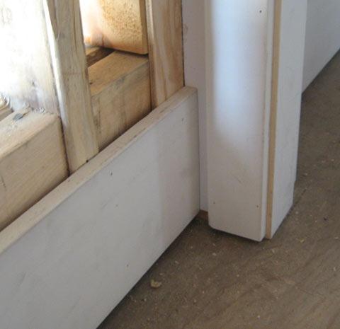 interior-door-trim-bottom-condition-at-baseboard-2