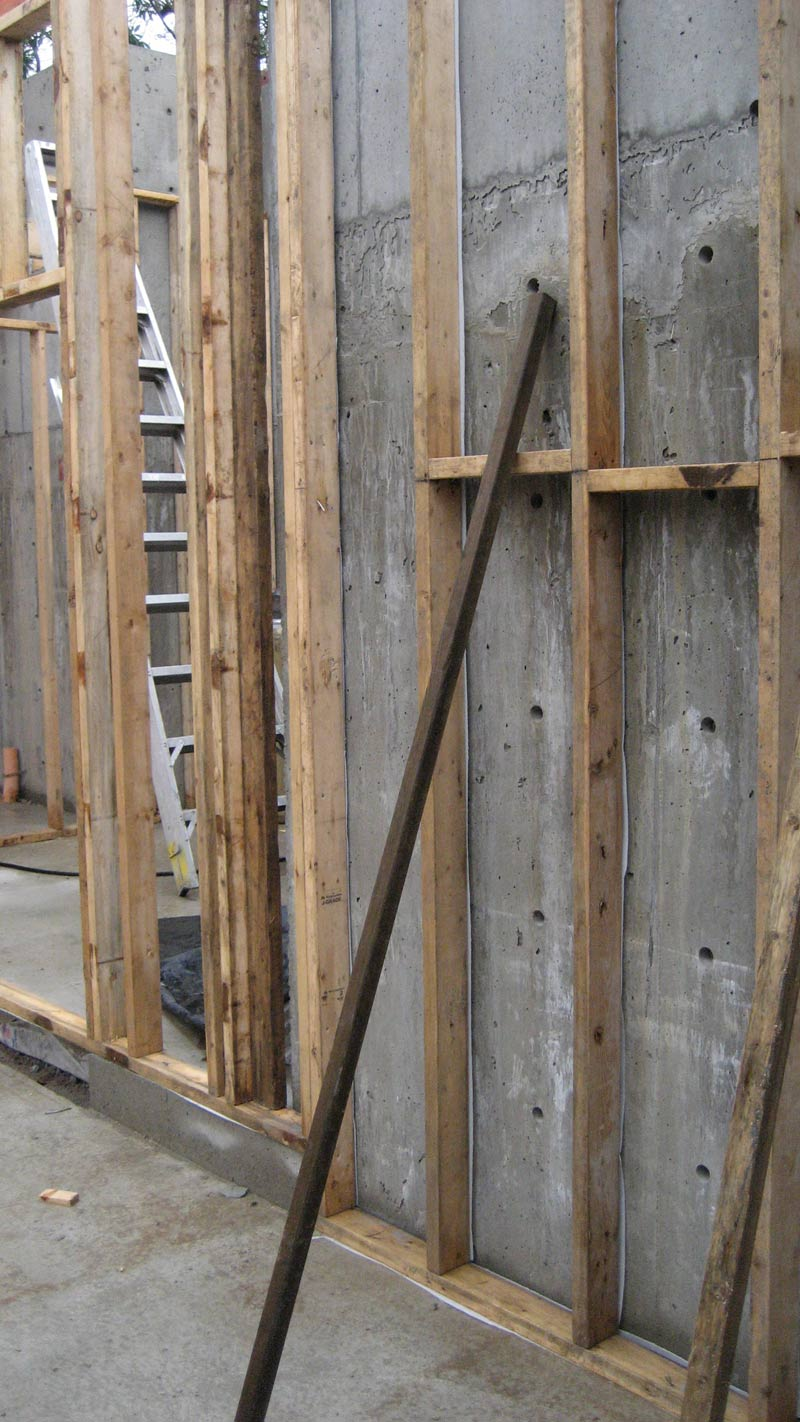 stud-wall-framing-at-concrete-foundation-wall