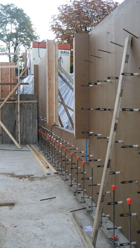 tie-bars-in-concrete-foundation-wall--formwork