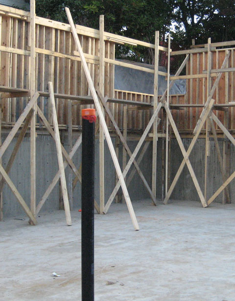 two+stage-pour-of-concrete+foundation-wall-formwork-2