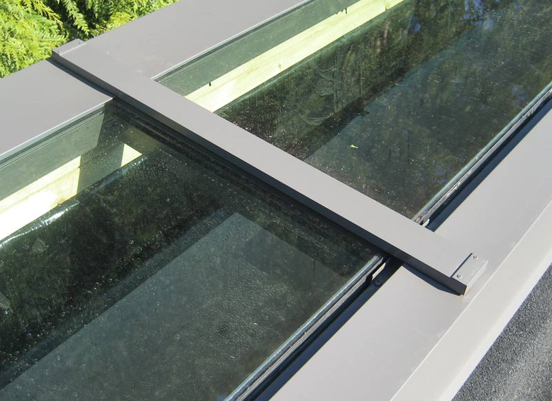 skylight-detail-curtain-wall-window-frame-mid-section