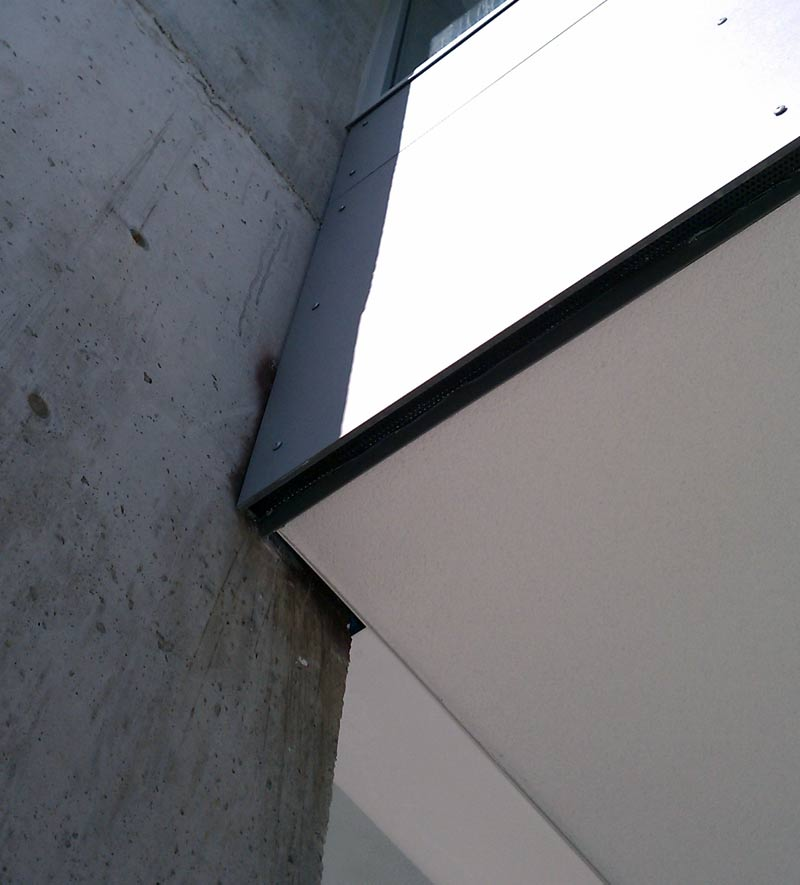 STUCCO-SOFFIT-DETAIL-AT-CONCRETE-WALL
