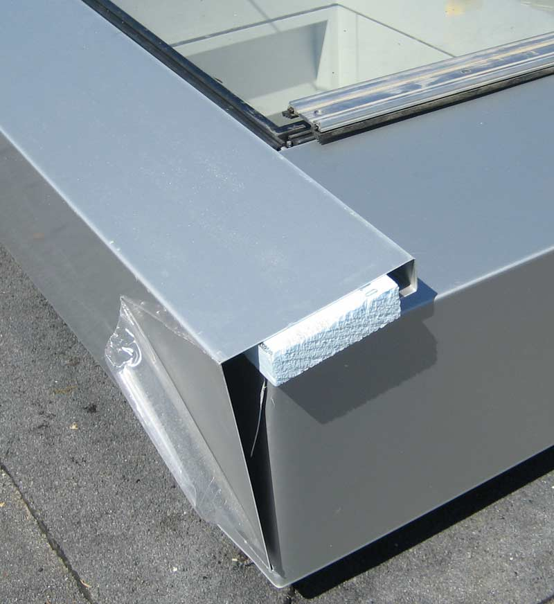 breakshape-flashing-at-curtain-wall-skylight