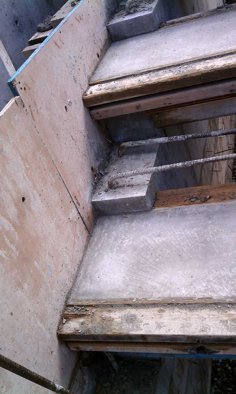 cantilevered-concrete-stair-formwork-closeup-detail