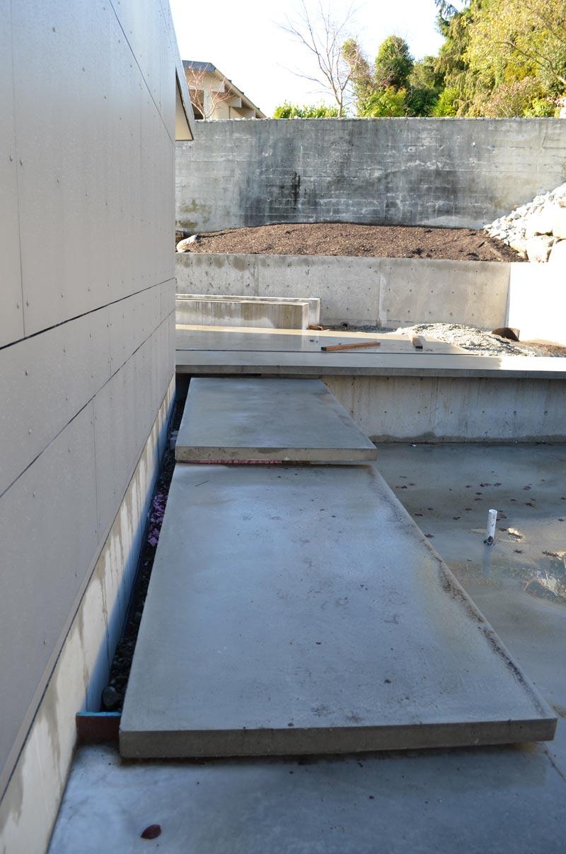 swiss-pearl-panels-at-concrete-plinths