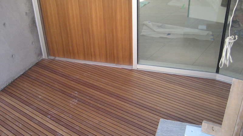 wod-deck-at-pivot-door