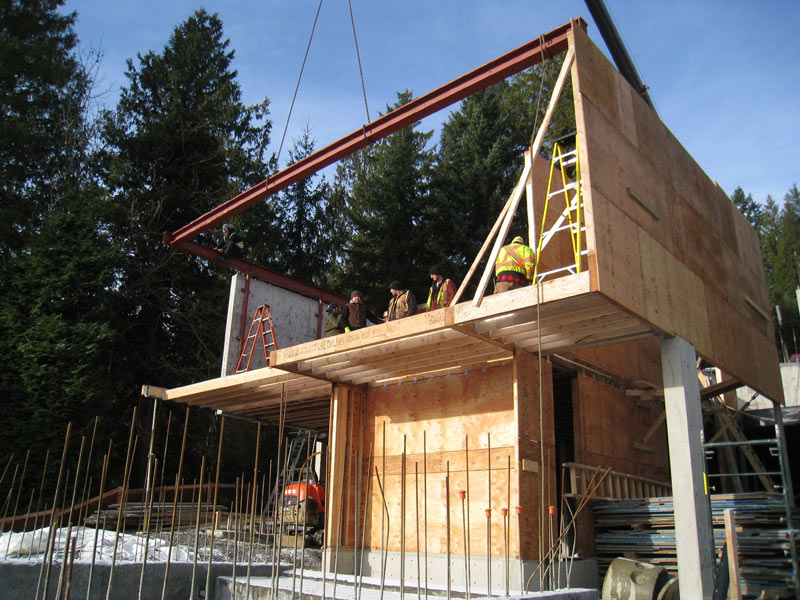 CANTILEVERED-FLOOR-AND-WALL-FRAMING