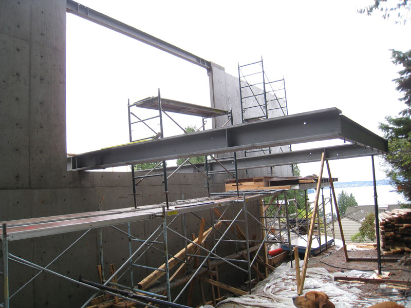 cantilevered-steel-floor