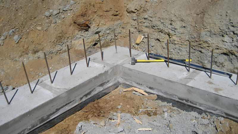 concrete-footings-at-a-corner