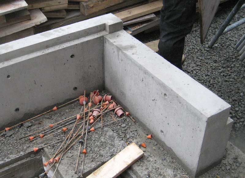 West Van Concrete Walls Home Building In Vancouver