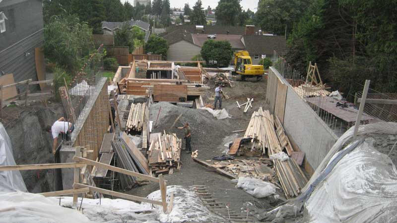 concrete-foundation-walls-stripping-forms