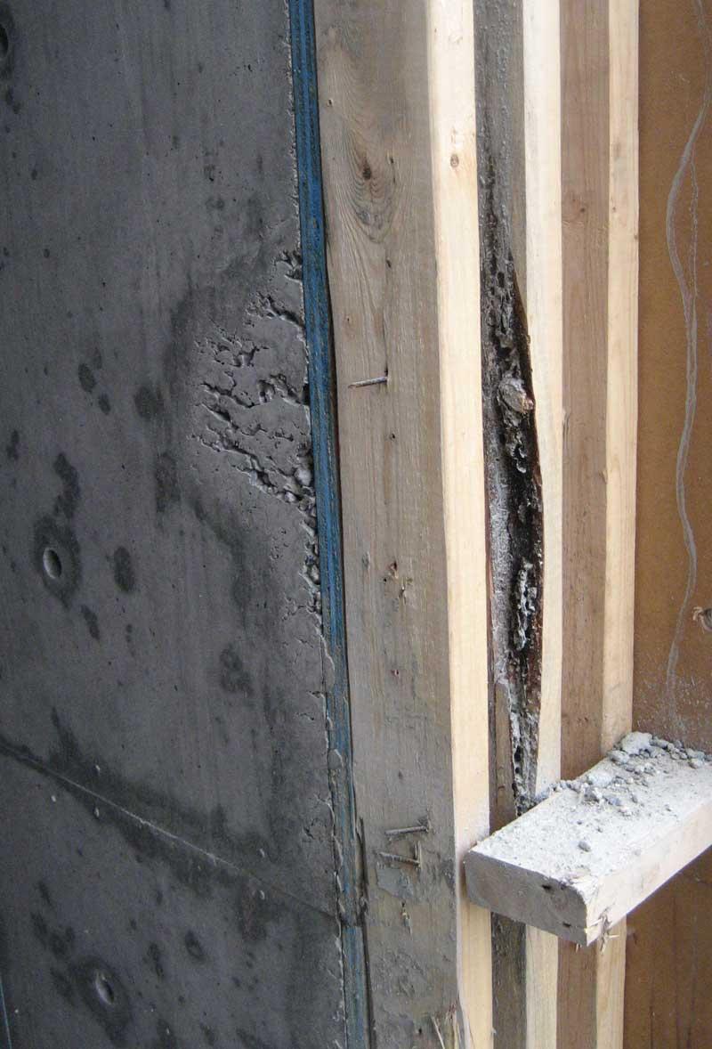 honeycombing-at-a-wall-corner