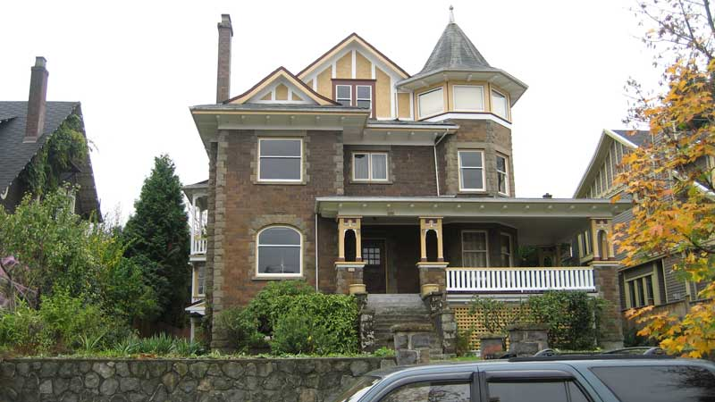 house-renovation-queen-anne-style-house-existing-condition