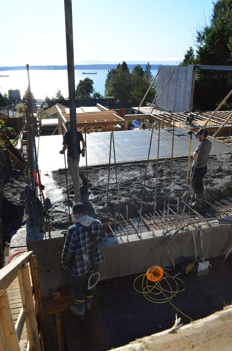 pouring-suspended-concrete-slab-and-leveling