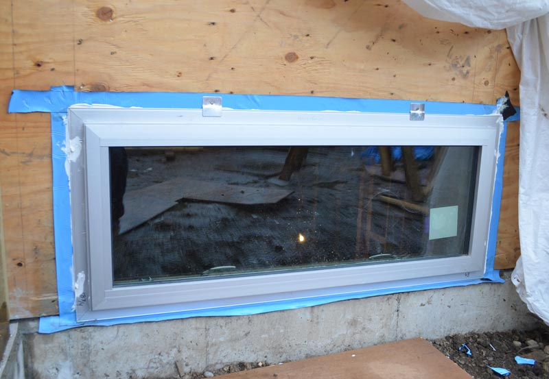 ALUMINUM-NAIL-ON-FLANGE-WINDOW-INSTALLED----VIEW-FROM-OUTSIDE