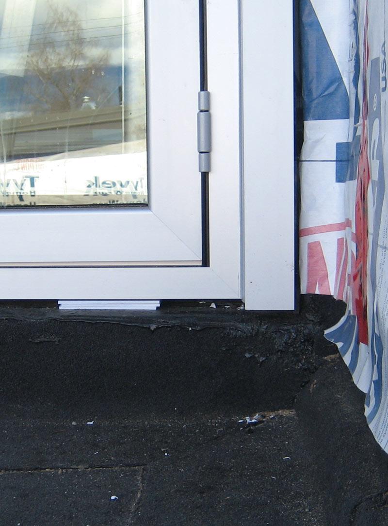 NANA-WALL-DOOR-SILL-AND-JAMB-AT-DECK-CONDITION