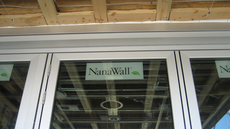 Nana-Wall-panel-in-closed-position-viewd-from-outside