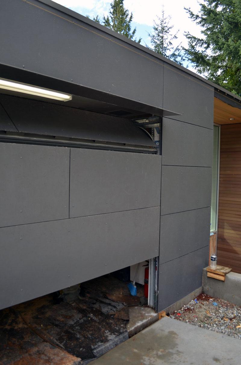 GARAGE-DOOR-PANELING-SWISS-PEARL-2