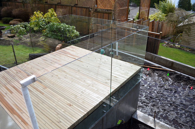 WOOD-DECK-WITH-GLASS-GUARDS-01