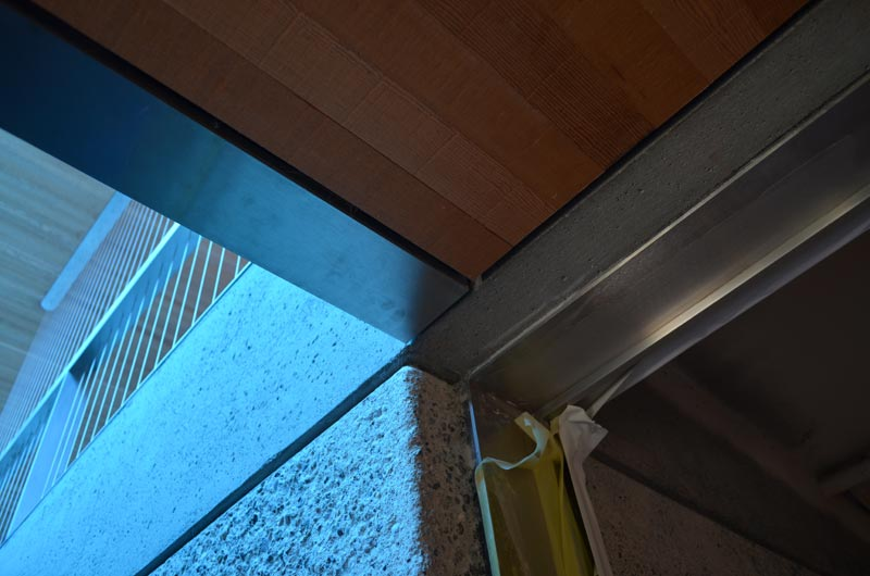 WOOD-DROPPED-CEILING-CORNER-CONDITION-AT-STAIR-WELL-OPENING