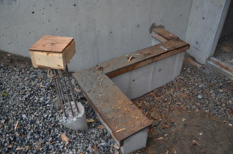 exterior-concrete-stair-landing