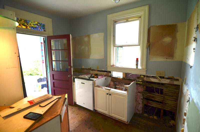 pittsburgh-house-renovation-studio-tm-tomas-machnikowski-demolition-removal-of-existing-kitchen-cabinets