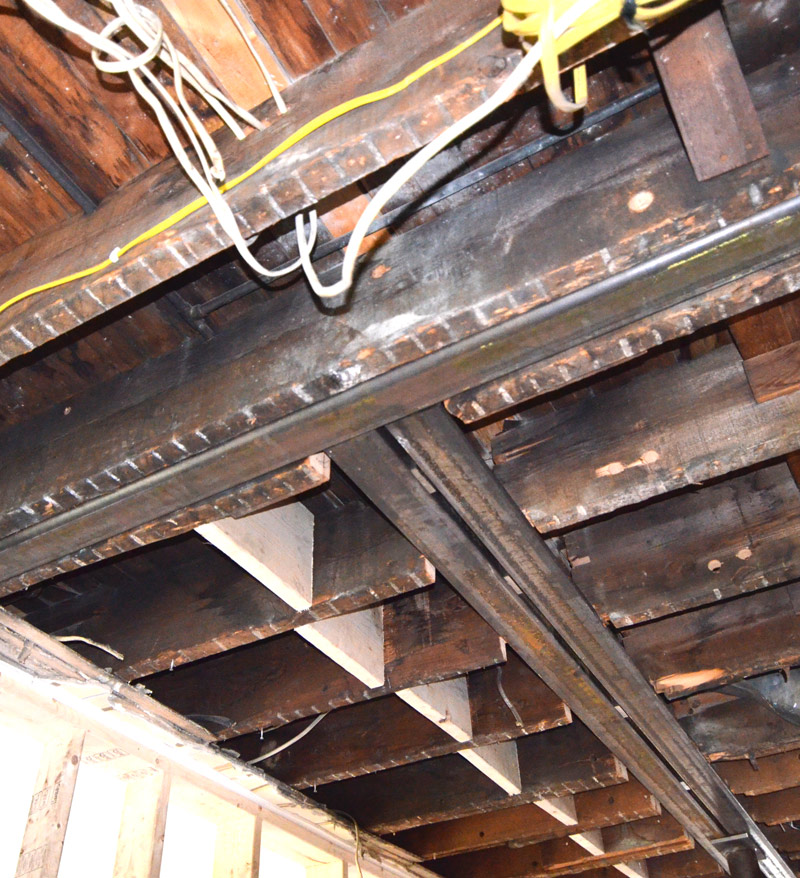 installed-concealed-steel-beams-pittsbugrh-house-renovation